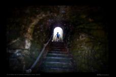 Un escalier vers la lumière